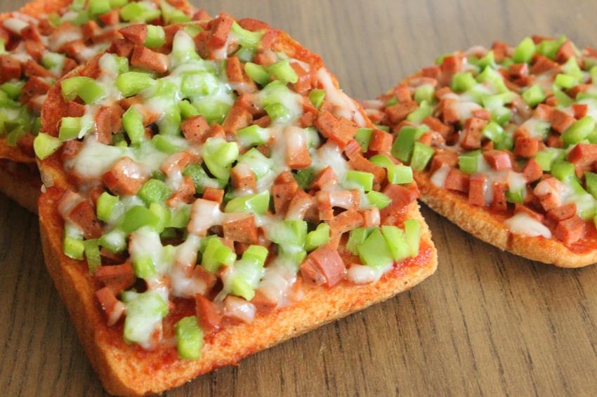 Bread Toast Pizza