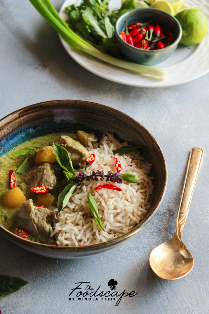 Monday Muse: Green Chicken Curry