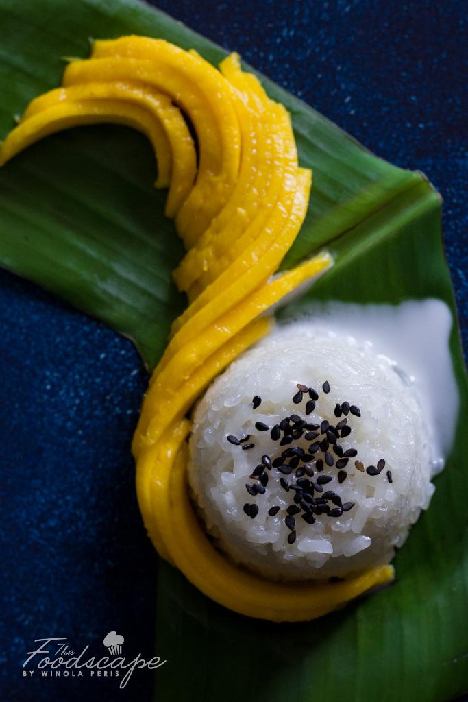 Thai Mango Sticky Rice Recipe - easy homemade Thai dessert with sticky rice and mango. Easy Thai Sticky Rice with Mango. Vegan Mango Sticky Rice. Gluten Free Mango Sticky Rice. Vegan Thai Mango Sticky Rice. Vegan Thai cuisine. Vegan Dessert Recipes. Gluten Free Dessert Recipes.