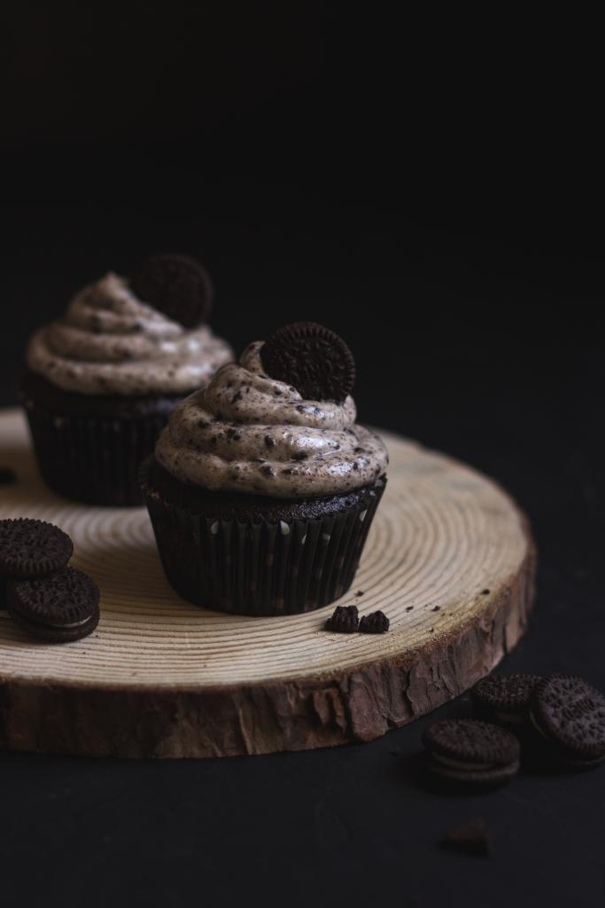 Oreo Cupcakes, E-Cookbook, Lemon Raspberry Coconut Cupcakes, Food Photography, Baking, Cupcake Recipe, Cake, Dessert